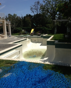 Modern Watershapes offers chlorine washes, acid washes, pool sanding and draining.